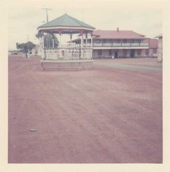 33 - Band Stand. Main St Cue